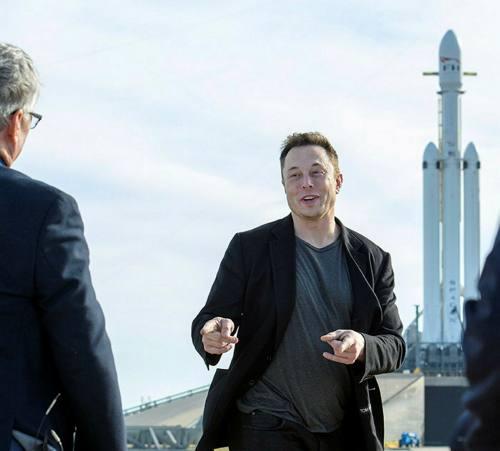 Основатель Tesla и SpaceX Илон Маск во время запуска ракеты в Космическом центре НАСА на мысе Канаверал, 2018 год. Состояние бизнес-магната выросло в прошлом году с 25 миллиардов долларов до более чем 150 миллиардов долларов