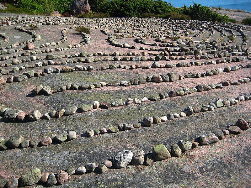 Детали лабиринта камней на о.Блокула