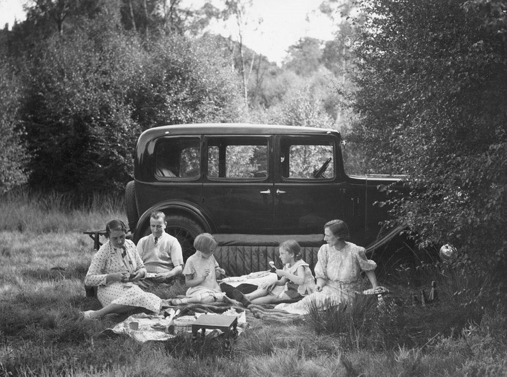 Буржуазная семья на пикнике
